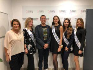 Xavier Poitau et Christiane Lillio avec les Miss Prestige Loire